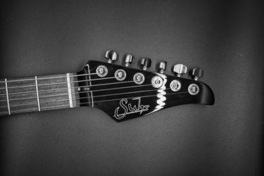 【機材紹介】超有名アニソンのメドレーを作ってギターで弾きました