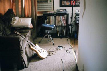 ギター上達のためには正しい『姿勢』と『椅子』が最重要?【ギタリスト必見】